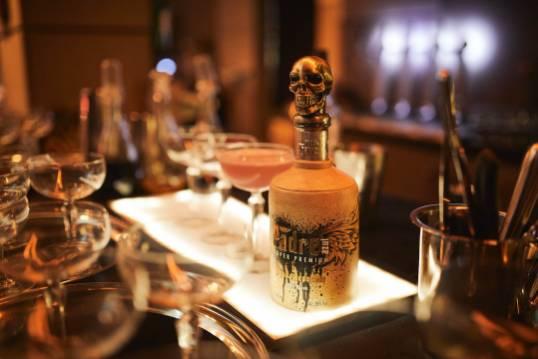 Glass bottle Padre Azul Super Premium Tequila Reposado 700 ml.
