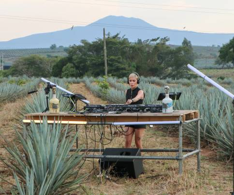 Sounds of Valley Sessions: DJs AGAVE Spirits - Morning Sunrise. Kassie!